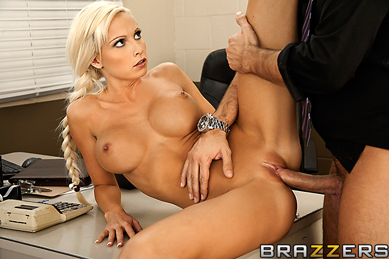 порно фото блондинки бразерс